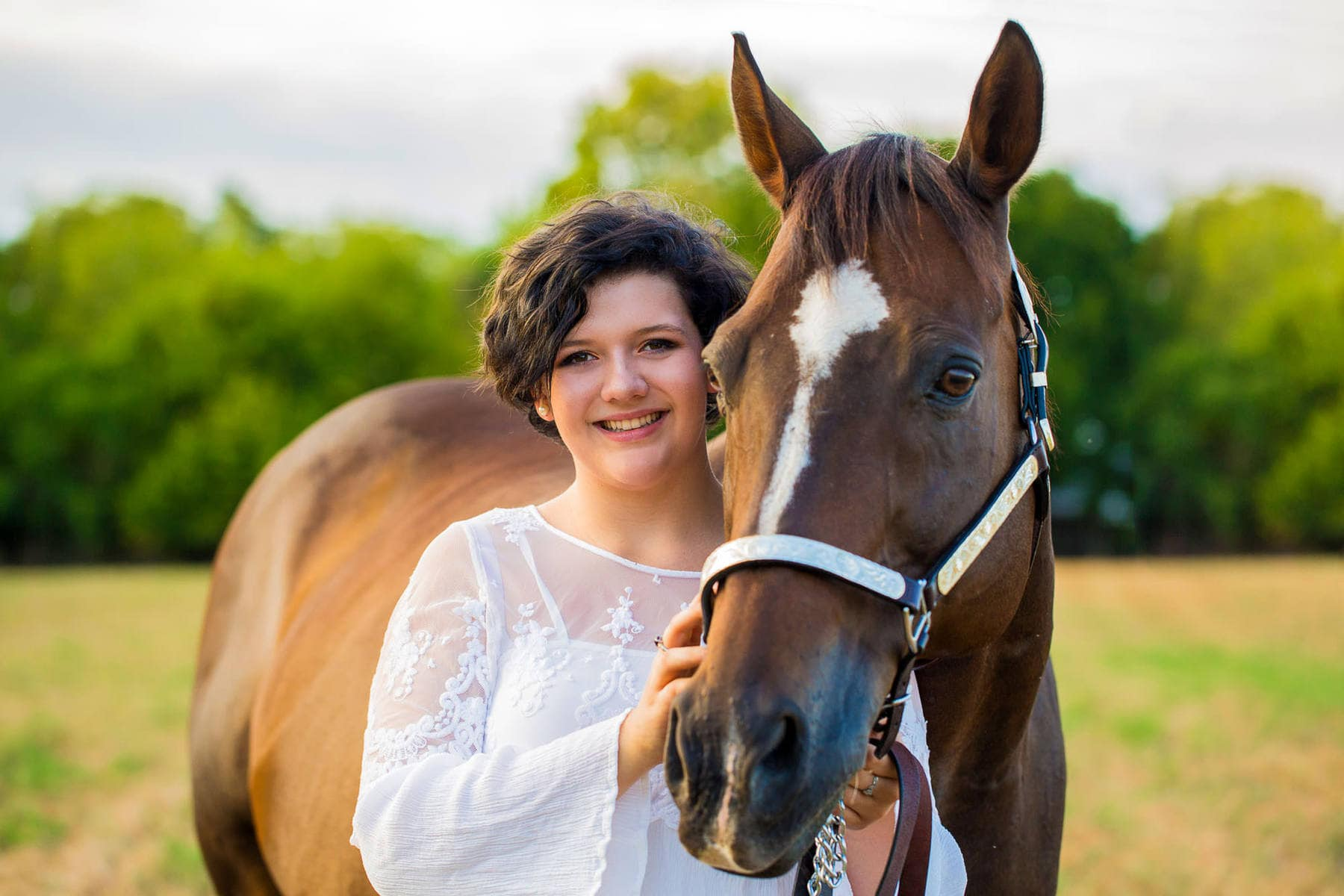 Senior Portraits with Chloe and horses in Thurmont Maryland with Photographer Kelly Heck